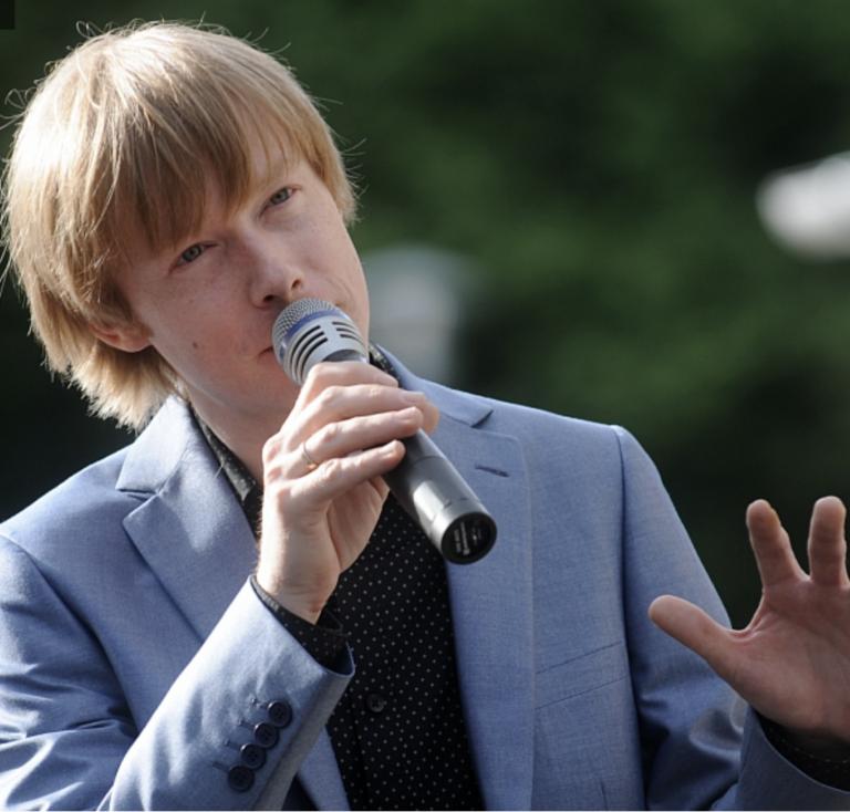 Dzejas dienas Latvijas radio 2 – Strazds par klasiķu dzeju mūzikā